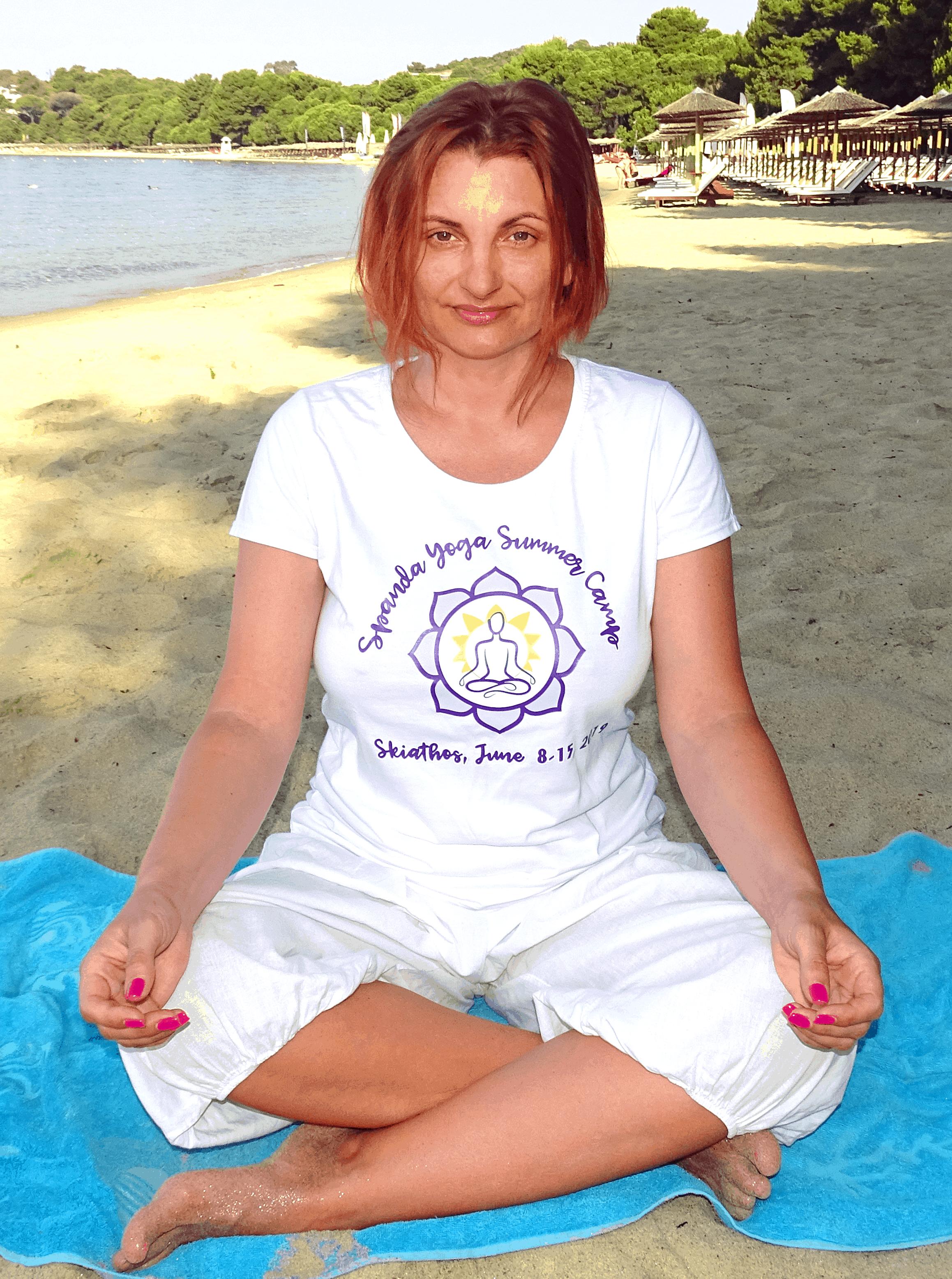 Simona Darabant - Yoga Teacher